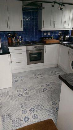 colours black white patchwork effect self adhesive vinyl tile 1 02