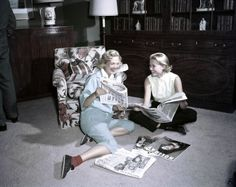 She may have been the Princess of Monaco, but Grace Kelly still reigns as one of America's original sweethearts—and the epitome of classic, old-Hollywood style. Get a glimpse of 34 rare photos from the actress's life. Old Hollywood Style, Hollywood Icons, Hollywood Fashion, Classic Hollywood, Grace Kelly Style, Princess Grace Kelly, Adele, Robert Cummings, Royal Families