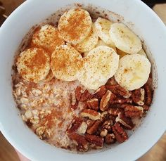 """Started making """"overnight oats"""" again last night - such comfort food!! 💙 I love that they're ready to go when I wake up, whether I've gotten up early or slept in, and I can eat them plain or add my usual: fresh banana, chia seeds, raw pecans, and cinnamon.  So yummy!! 😍🤗😗 #overnightoats #rawoats #bestoatmeal #oats #banana #whatveganseat #fullyraw #healthyeating #powerbreakfast #startyourdayright #healthyvegan #nutritious #vegan #delicious #comfortfood #wakeuptothis #findwhatfeelsgood…"""