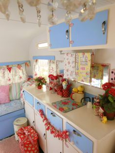 An angel in the garden: Such a Colour-full World... This is the kitchen in Lucy the caravan, which lives in Hastings. And 1 of my Bushbabies lives inside it! awesome.