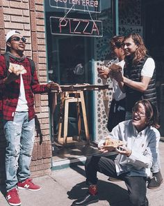 When pizza is life @justinkalaniburbage @colehutzler @isiahhilt @kylejetter: View on… #AmericanEagleOutfitters #MarketDistrict #Boston