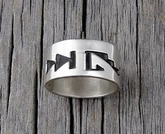 Hopi Silver Band Ring Size 5, oxidized Ring, Ring Size 5, Silver Band Ring, Vintage gift, Traditional Ring, Overlay Band Ring, Gift for her