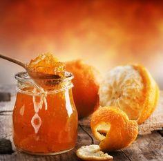 Vegan recipe for orange marmalade. Seville Orange Marmalade, Orange Jam, Orange Peel, Orange Drinks, Gin Recipes, Orange Recipes, Dessert Recipes, Easy Treats To Make, Salsa Dulce