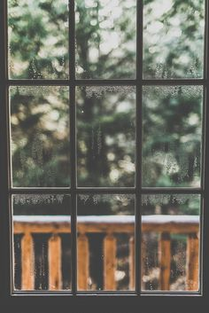 I know they're not practical, but I do so love old windows. I would gladly bear a few drafts for their sake.