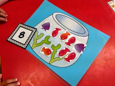 Early Number Game: FREEBIE! Promotes early number recognition and counting skills. Grab your free copy from my TPT store :)