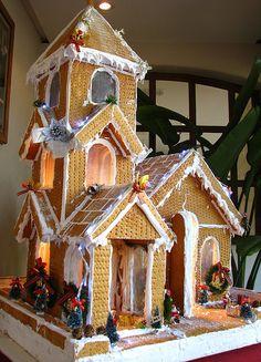 Graham Cracker House by Danburg Murmur, via Flickr