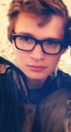 Ansel in classes...showing he still had a little erudite in him #AnselElgort #Glasses #HotGuysInGlasses