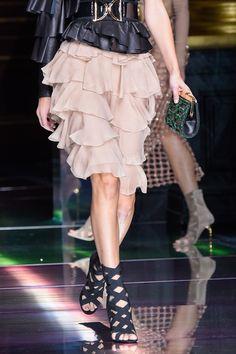 Balmain at Paris Fashion Week Spring 2016 - Details Runway Photos