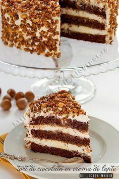 Chocolate cake with milk cream Sweet Recipes, Cake Recipes, Dessert Recipes, Romanian Desserts, Special Birthday Cakes, Torte Cake, Lava Cakes, Pastry Cake, Dessert Drinks