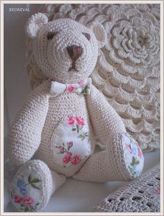 sweet crocheted teddybear and pillow. Love this!