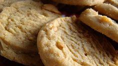 Oggi vi proponiamo una ricetta perfetta anche per celiaci ed intolleranti al glutine: i biscotti con farina di riso sono deliziosi e morbidissimi...