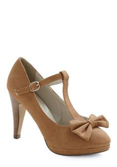 Perfect medium heel, closed-toe with cute bow and t-strap.