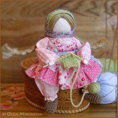 Купить Рукодельница - розовый, народная кукла, традиционная кукла, Рукодельница, рукоделие, вязание