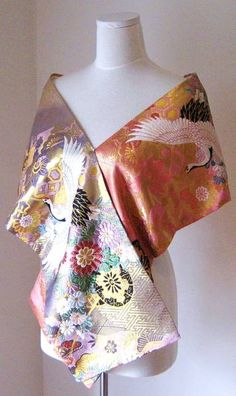 Wedding Dress Shawl Vintage KIMONO GEISHA pink butterfly Glen Waverley Monash Area image 5