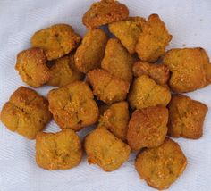 Tanker Tots Natural Sweet Potato Dog Treats - Peanut Butter & Banana Flavor http://www.tankertots.com/#!tots/c3ex
