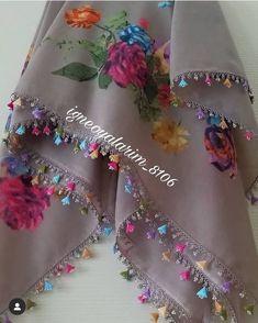 Knitted Poncho, Knitted Shawls, Baby Knitting Patterns, Saree Kuchu Designs, Saree Models, Knit Shoes, Sweater Design, Knitting Socks, Scarf Styles