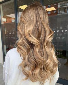 Brown Hair Balayage, Brown Blonde Hair, Hair Highlights, Healthy Blonde Hair, Blonde Hair Goals, Brown Hair Inspiration, Gorgeous Hair, Hair Looks, Dyed Hair