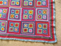 I ♥ Attic24 ~ Granny squares into big blanket - Lucy generously shares her pattern for squares, joining, & pretty edging  #crochet #granny_square #blanket #DIY #craft
