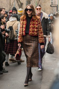 8d9c61cbe0c4 Πώς να ντυθείς αν είσαι άνω των 40 και με τι θα φορέσεις τη διαφάνεια -H Πελαγία  Χριστάκη απαντά