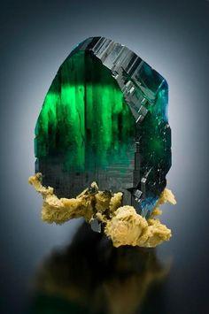 Top 10 das mais incareditaveis pedras preciosas verdes                                                                                                                                                                                 Mais