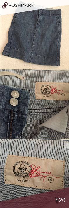 Gap Jean Skirt Comes right above knees on me and I'm 5 ft 4 in. Great condition! Pockets on back! GAP Skirts Midi