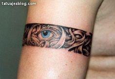 flower bracelet tattoos | Los brazaletes tatuados son una elección de tatuaje bastante común y ...