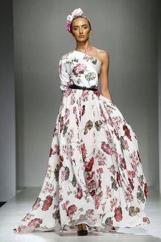 "Fashion Arabic Style   Illustration   Description   Arabic Style : Giada Curti ""Secret Garden"" Full Show SS2017 Collection Presentation a    – Read More –"