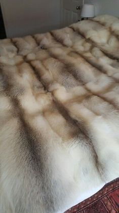 Interior Rugs, Interior Exterior, Bedroom Crafts, Bedroom Ideas, Bedroom Decor, Fur Bedding, Comforter, Kardashian Home, Cozy Blankets