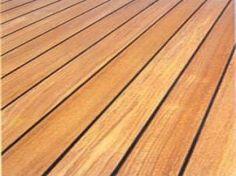 """Le parquet """"pont de bateau"""" en teck massif en 12x70, avec l'application d'un joint noir entre les lames.  Découvrez ce parquet sur : http://www.mouluresdunord.fr/Moulure-catalogue/parquet-teck-massif-pont-de-bateau-12x70/"""