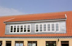 Billedresultat for tagkvist tegl House Plans, Garage Doors, Windows, Outdoor Decor, Home Decor, Anna, Decoration Home, Room Decor, House Floor Plans
