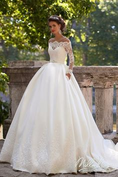 Ball Gown Long Sleeves Off-the-Shoulder Lace Wedding Dresses Bridal Gowns 4301006 Princess Style Wedding Dresses, Wedding Dress Brands, Dream Wedding Dresses, Bridal Dresses, Wedding Gowns, Lace Wedding, Princess Wedding, Princess Bride Dress, Backless Wedding