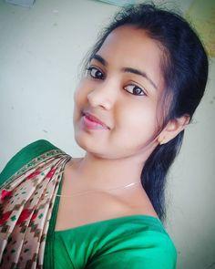 Beautiful Girl In India, Beautiful Girl Image, Beautiful Women, Indian Natural Beauty, Indian Beauty Saree, Beauty Full Girl, Real Beauty, Beauty Girls, Beautiful Face Images