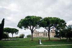 Bride and Groom, the Paestum Tamples, wedding day, wedding photoshoot, Cilento Coast, Sposa Mediterranea, Olga studio