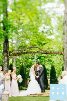 Jacob + Laura   married Hunters Bend  Chattanooga Weddings  Southern Wedding  Bamber Photography