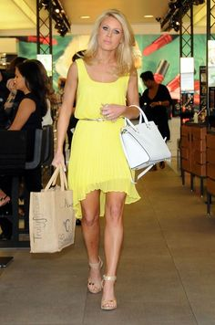 Gretchen Rossi - Gretchen Rossi Out Shopping In West Hollywood