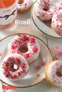 Donut Hole Recipe, Waffles, Pancakes, Pokemon Breeds, Freeze Dried Fruit, White Cake Mixes, New Cooking, Rose Cake, Donut Recipes
