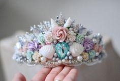 Mermaid crown, mermaid flower crown, mermaid birthday party, first birthday girl. Baby First Birthday, Girl Birthday, Birthday Parties, Teen Parties, Mermaid Crafts, Seashell Crafts, Mermaid Crown, Mermaid Tutu, Mermaid Shell