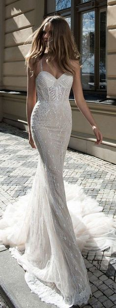 Wedding dress inspo! The detailing on this dress is absolutely stunning. We seriously love this design!