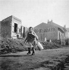 Robert Doisneau - Le bidon de lait, 1946.