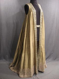09010071 Robe Womens Renaissance gold dupioni bead trim Small.JPG