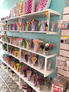 Boutique Interior, Shop Interior Design, Store Design, Stationary Shop, Stationery Store, Gift Shop Interiors, Ikea Raskog, Room Store, Party Supply Store