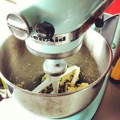 Cooking Whole Chicken Kitchen Aid Artisan, Kitchen Aid Mixer, Cooking Whole Chicken, Stuffed Whole Chicken, Mint Green Kitchen, Tupperware Recipes, Kitchen Machine, Cooking Chef, Base