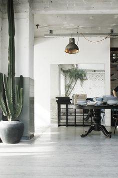 Amsterdam next - Interior Design City Guide: Pistache Studio & Pizzeria. Home Interior Design, Interior Architecture, Interior And Exterior, Interior Decorating, Decorating Ideas, Interior Livingroom, Interior Styling, Decoration Inspiration, Interior Inspiration