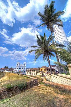 Coastline skirting the old Portuguese colonial fort in Galle, Sri Lanka.  Photo: JRaptor via Flickr