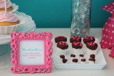 El frame estaria bueno para que anuncie los gustos de cada cupcake