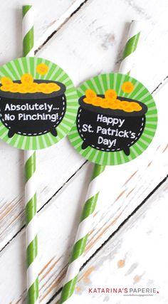 Free Printable St. Patrick's Day Straw Flags by Katarina's Paperie
