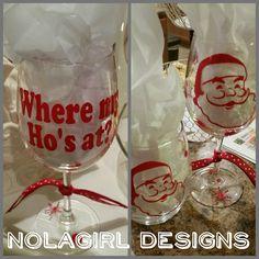 Fun wine glass for the holiday season.  Great party favor #wheremyhosat #wineglass #customvinyl #thankful #blessed #etsy #shop #gift #giftidea #partyfavor #hosat #santa #santaclause #wineglasses #etsy #smallbusinessaturday #shopsmall