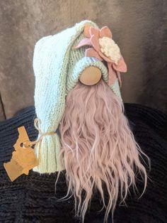 Scandinavian Gnomes, Crochet Hats, Craft Ideas, Summer, Crafts, Knitting Hats, Summer Time, Manualidades, Handmade Crafts