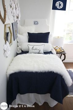 Dorm luxury bedding custom for YOU! Navy & White Fur Designer Dorm Bedding Set Source by Dorm Bedding Sets, Luxury Bedding Sets, Comforter Sets, King Comforter, Cute Dorm Rooms, College Dorm Rooms, Preppy Dorm Room, College Dorm Bedding, Girls Bedroom