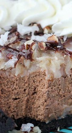This No-Bake German Chocolate Cheesecake is a triple chocolate cheesecake with a stovetop coconut pecan frosting. PIN IT for later Every Monday I bring desserts leftover from the weekend into my office. German Chocolate Cheesecake, German Chocolate Pies, White Chocolate, Coconut Pecan Frosting, Homemade Frosting, Just Desserts, Delicious Desserts, Dessert Recipes, Paleo